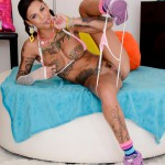 Bonnie Rotten shows her amazing holes